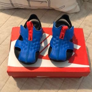 Nike sun Ray protect water shoes/ sandals.